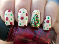Dotticured Christmas Tree Nails - Paulinas Passions