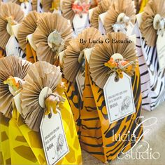 Cute favor bags at a Jungle Party #jungle #partyfavors