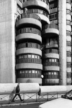 Torres Blancas, Francisco Javier Sáenz de Oíza (1968). Fotografía © Jesús Arenas.
