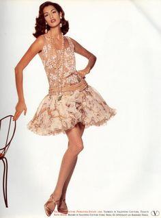 Utter elegance for Valentino Haute Couture Spring/Summer 1992