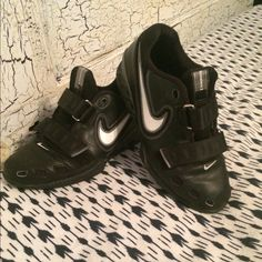 Nike lifting shoes, perfect for lifting heavy! Used