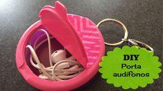 No sufras más con los enredos que arman tus audífonos en tu bolsa. Aprende cómo hacer este sencillo y práctico porta-audífonos con un pastillero! Para ver el video tutorial dale click al link => https://www.youtube.com/watch?v=SnwpsYah2bw&feature=share