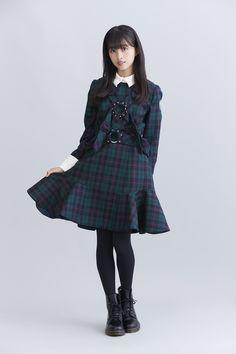 欅坂46から小林由依と原田葵が登場。笑顔弾ける&激しいダンスも必見のMVも話題の新曲「風に吹かれても」 | 【es】エンタメステーション