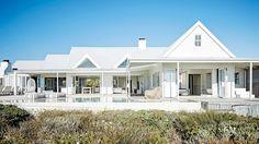 Inspiring ideas on how to create the ultimate coastal home. Photography by Warren Heath/Bureaux.co.za. Production by Sven Alberding/Bureaux.co.za.