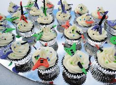 Birthday week extended into birthday weeks. My son's teacher combined the 3 February birthdays into one birthday celebration. February Birthday, Birthday Week, Birthday Celebration, Guitar Cupcakes, Rock Star Party, Baking Recipes, Baking Ideas, Mini Cupcakes, First Birthdays