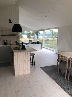 Summer Cabins, Devine Design, Interior Decorating, Interior Design, Cabin Homes, Beautiful Space, Home Projects, Home And Living, Building A House