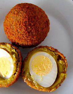 """ Aierbal "" ( eierbal ) specifieke snack uit het Groningse. ei met ragout Dutch Recipes, High Tea, Quiche, Netherlands, Tapas, Countries, Sandwiches, Cheesecake, Eggs"