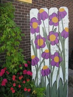 60 Gorgeous DIY Projects Pallet Fence Design Ideas 18 – Home Design Garden Mural, Garden Fencing, Garden Archway, Garden Crafts, Garden Projects, Garden Ideas, Garden Posts, Fence Ideas, Easy Garden