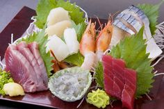 刺身盛り合わせ.An assortment of sashimi.