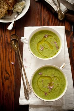 Watercress Basil Soup -  I used spinach 4 cups broth 1 cup water  :-)