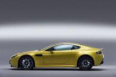 「Aston Martin V...」