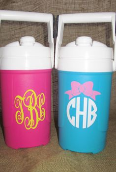 Monogrammed Gallon Igloo Sport Cooler by PolkaDotPeacockShop on Etsy Dance Team Gifts, Cheer Gifts, Cheer Mom, Diy Gifts, Dance Crafts, Football Crafts, Spirit Gifts, Silhouette Cameo Projects, Silhouette Vinyl