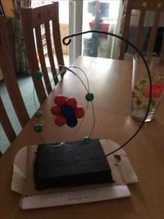 3D carbon atom Carbon Atom Model, 3d Atom Model, Atom Model Project, Science Fair Projects, Class Projects, School Projects, 8th Grade Science, Arts And Crafts, Diy Crafts
