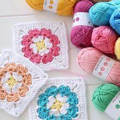 I love choosing colours for a new project ☺️especially when the yarn is #paintboxyarns Cotton Aran • • • #cottonyarn #grannysquare #crocheting #crochetersofinstagram #grannysquaresrock #ilovecrochet #hakeln #crochetaddict #creativehappylife #crocheteveryday #tigisi #uncinetto #orgu #ganchillo #virka #molliemakes #crocheting #yarn #haken #crochetlife