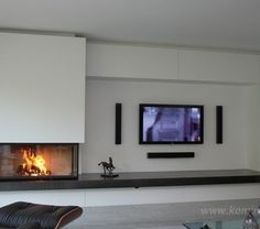 Implementation of corner fireplaces gallery Harry Thiele - the furnace, architectcorner Gas Fireplace Ideas Living Rooms, Feature Wall Living Room, Home Fireplace, Living Room Decor Fireplace, Wood Burning Stoves Living Room, Modern Lounge Rooms, Modern Tv Room, Modern Fireplace, Living Room Tv Wall