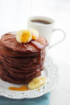 The Comfort of Cooking » Fluffy Chocolate Banana Pancakes - YUM, makes me think of Jack Johnson for some reason.... ;)