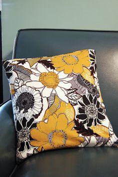 how to make a no-sew pillow cover using hem tape