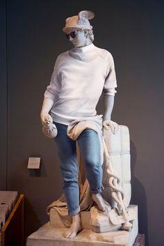 Fotógrafo dá um estilo Hipster a estátuas clássicas.