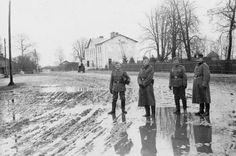 German Soldiers near the Miedzyrzec Ghetto Jewish Ghetto, Warsaw Ghetto, Krakow, The Locals, Ww2, World War, German, Survival, Soldiers