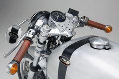 Swiss Espresso: Kaffeemaschine Moto Guzzi Cafe Racer No. 8 | Classic Driver Magazine