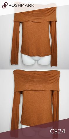 Off The Shoulders Top Off the shoulders, sexy yet sophisticated top. I like to pair it with whites or camels. Measurements Bust 30 in Waist 28 in Length 19 in Sleeve length 24 in Forever 21 Tops Jean Button Up Shirt, Short Sleeve Denim Shirt, Pink Tops, Blue Tops, Cute White Tops, Camels, Plus Fashion, Fashion Tips, Fashion Trends
