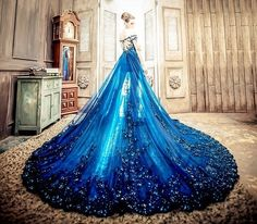 dress, blue, and beauty Bild