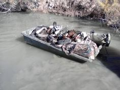 - Waterfowl hunting - The Outdoors Forum Turkey Hunting, Duck Hunting, Kayak Camping, Kayak Fishing, Hunting Gifts, Hunting Stuff, Waterfowl Hunting, Diy Blinds, Duck Boat
