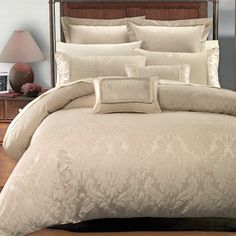 Hotel Collection Duvet cover set The Royal Hotel Collection is a rich contemporary jacquard design in warm stylish tones. The duvet cover set is completed a Cal King Bedding, Down Comforter, Queen Comforter Sets, Duvet Sets, Queen Duvet, Beige Bedding Sets, Damask Bedding, Luxury Bedding, Purple Comforter