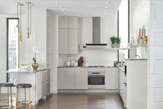 Live large in a small space with Sub-Zero and Wolf's new appliance suite, slimmed down to just 24 inches or less.