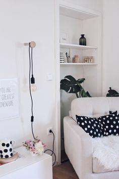 DIY Wandhaken aus Holz selber machen. Einfache DIY-Anleitung. Bastelidee mit Holz. Lampenhalter selber machen. Wohnzimmer im skandinavischen Stil einrichten.