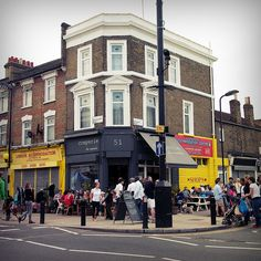 Chatsworth Road Market, E5 #London so exited for little corner shops like this