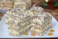 New Easy Cake : The most tender cake in the world! Romanian Desserts, Romanian Food, Cake Recipes, Dessert Recipes, Delicious Desserts, Yummy Food, Sweets Cake, Russian Recipes, Yummy Cakes
