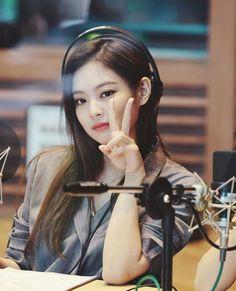 Kpop Girl Groups, Korean Girl Groups, Kpop Girls, Kim Jennie, Yg Entertainment, K Pop, Lisa Blackpink Wallpaper, Kpop Couples, Kim Jisoo