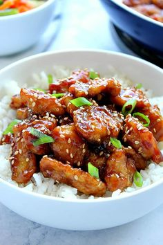 Easy Sesame Chicken Recipe – Crunchy Creamy Sweet Easy Sesame Chicken Recipe – battered chicken fried in a pan and coated with sesame sauce. Popular Asian takeout dish, made easily at home. Sesame Chicken Sauce, Easy Sesame Chicken, Sauce For Chicken, Easy Chicken Recipes, Fried Chicken, Asian Recipes, Sesame Sauce, Healthy Recipes, Crispy Chicken