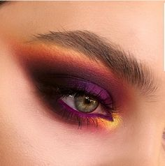 Make Up; Look; Make Up Looks; Make Up Augen; Make Up Prom;Make Up Face; Eye Makeup Tips, Skin Makeup, Makeup Inspo, Makeup Inspiration, Makeup Ideas, Gold Makeup, Makeup Products, Purple Makeup, Makeup Guide