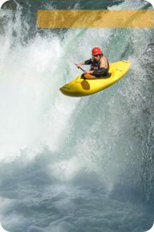 El descenso en canoa es mejor conocido en el mundo de los deportes extremos como rafting.