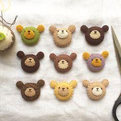 Diy Crafts For Gifts, Cute Crafts, Felt Crafts, Felt Diy, Handmade Felt, Handmade Crafts, Felt Ornaments Patterns, Felt Animal Patterns, Felt Bows