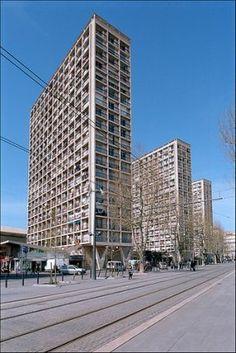 Les Labourdettes - Marseille Pas très engageantes vues comme cela, mais à l'intérieur des appartements...
