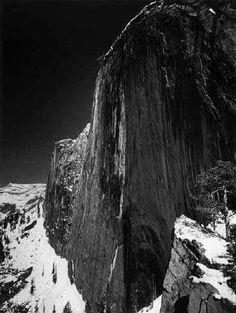 Fotografie  1921 1967 - Collezione privata Fam. Manfrotto, Monolith,  the Face of Half Dome, Yosemite National Park, California, 1927, � Ansel Adams, Fonte: fotochepassione.com . libreriamo.it