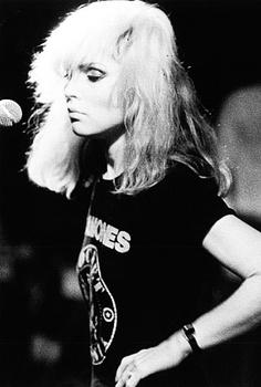 Ramones. Blondie. Blondie Debbie Harry, Rock Chic, Ramones T Shirt, Divas, Grunge, Photo Star, Jane Russell, Mae West, Gene Kelly