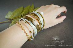 Купить Набор восточных браслетов бохо тонкие латунные с камнями белый зеленый