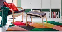 Reforçar o estilo de um ambiente, delimitar espaços, decorar, transformar espaços, adicionar o calor, abafar passos... são muitas as razõ...