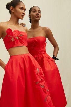 Strapless Crop Top, Strapless Dress Formal, Formal Dresses, Vogue Paris, Fashion Week, Spring Fashion, Daily Fashion, Street Fashion, Palm Springs Style
