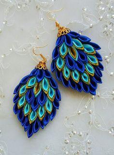 Best 12 Kanzashi flowers – Artofit – Page 537335799290374866 – SkillOfKing. Ribbon Jewelry, Ribbon Art, Diy Ribbon, Fabric Jewelry, Ribbon Crafts, Diy Crafts, Diy Jewelry Holder, Fabric Origami, Paper Earrings