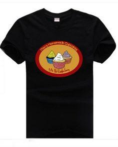 2 broke girls white T-shirt cupcakes pattern design big yards short -
