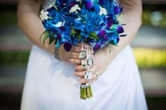 Give your bouquet a sentimental touch by attaching photo charms of your ancestors.
