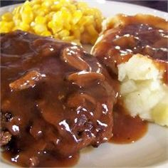 Salsbury Steak mmmmm love Salisbury steak :-) and I love this one is stove top instead of oven, saves me some dishes! Paleo Recipes, Meat Recipes, Dinner Recipes, Cooking Recipes, Recipies, Minute Steak Recipes, Dinner Ideas, Entree Recipes, Chef Recipes