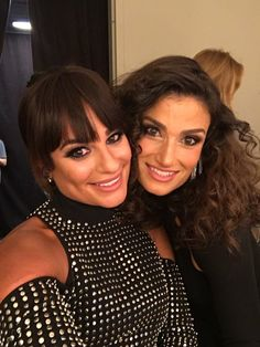 Lea Michele and Idina Menzel backstage at the iHeartRadio Music Festival. OMG they look so alike how are they not related? Gorgeous Women, Amazing Women, Beautiful, Glee Cast, It Cast, Lea Michele Glee, Rachel Berry, Idina Menzel, Chris Colfer