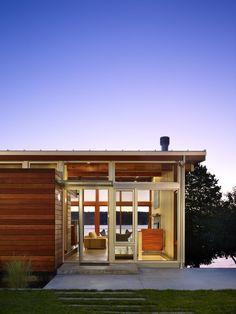 vashon island cabin in washington by vandeventer + carlander architects.