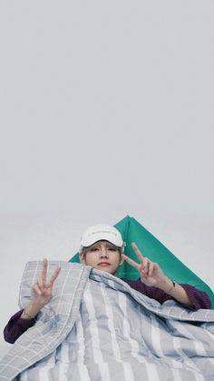 BTS Lockscreens/Wallpapers/Layouts Credits to the rightful owners ♡ Daegu, Foto Bts, Bts Photo, Stay Gold, Bts Boys, Bts Bangtan Boy, K Pop, V Taehyung, Bts Lockscreen